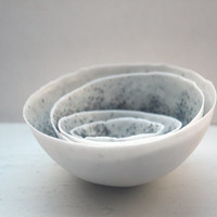 Set of 4 English fine bone china nesting stoneware bowls with unique interior texture