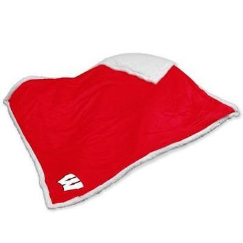 Licensed Wisconsin Badgers Official Sherpa Throw by Logo Chair Inc. KO_19_1