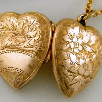 c1880 9K LOVE Antique Rose Gold Locket Victorian Flower Heart Necklace Wedding Anniversary Christmas Gift Jewelry