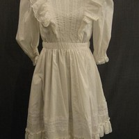Costumes/Childrens/Girl's/09016004 Dress Child's 1900s, white eyelet cotton lace, B28 W24