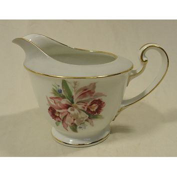 Noritake 5049 Vintage Cream Pitcher 6in x 4in x 4in China Gold Rim -- Used