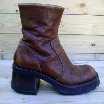 90s Chunky Heel Work Boots Brown Leather Club Kid Platform Shoes Size 9 1990s Revival Grunge HIppie Zip Up Tall Boot Steve Madden Boho Rave