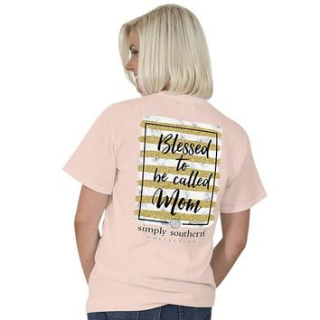 "Simply Southern ""Mom"" Short Sleeve Tee"