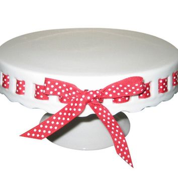 Gracie China by Coastline Imports 10-Inch Round Porcelain Skirted Cake Stand, Plain Round Pedestal White with Red White Polka Dot Ribbon