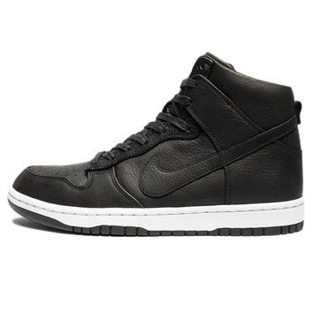 NIKE DUNK LUX SP - BLACK | Undefeated
