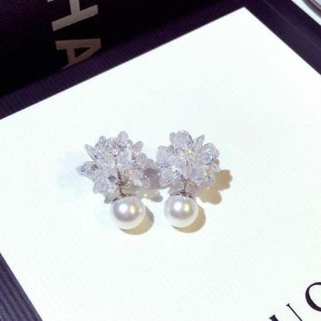 ONETOW Women Temperament Fashion Double-sided Ice Flower Pearl Stud Earring
