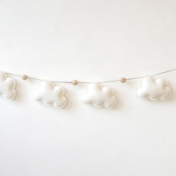 Neutral Garland, Felt Clouds and Wooden Beads, Cloud Nursery Decor, Baby decor, Baby Shower Gift, Clouds for the Nursery, cloud garland