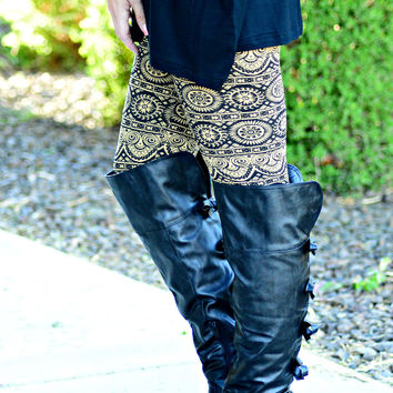 GOLD MEDALLION FLEECE LEGGINGS - ONE