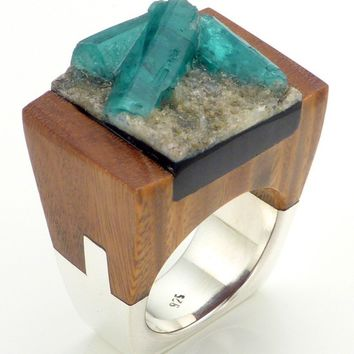 Wood Emerald Ring, Delight
