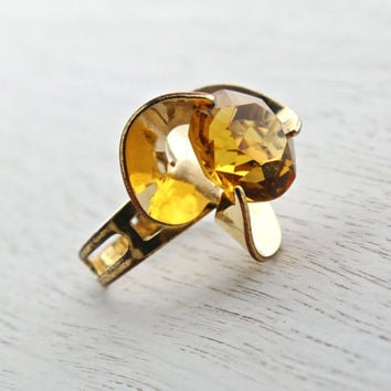 Vintage Citrine Orange Yellow Stone Ring - Signed Sarah Coventry 1970s Gold Tone Adjustable Dazzler Costume Jewelry / Statement Stone