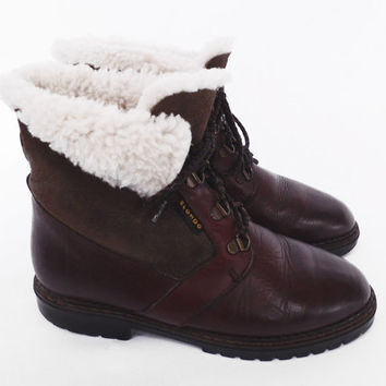 90's shearling wool cuff boots // lace-up ankle boots // vintage wool fleece lined boots // by Blondo // women's 7 / 8