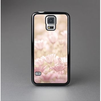 The Distant Pink Flowerland Skin-Sert Case for the Samsung Galaxy S5