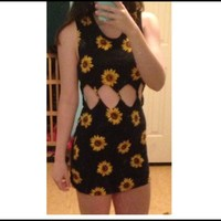 Kendall & Kylie Pacsun twisted sunflower dress