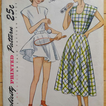 1940s Tennis Dress & Shorts Pattern  ~ Flared Skirt ~ High Waist Side Zip Shorts - Sportswear Outfit ~ Bust 34 - Vintage Simplicity 2474