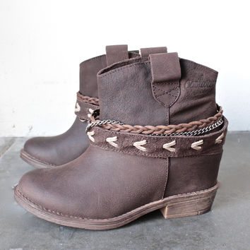 coolway - caliope grain leather western-inspired ankle boots in brown