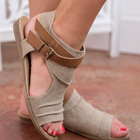 California Street Style Buckle Strap Detail Sandals (Sand)
