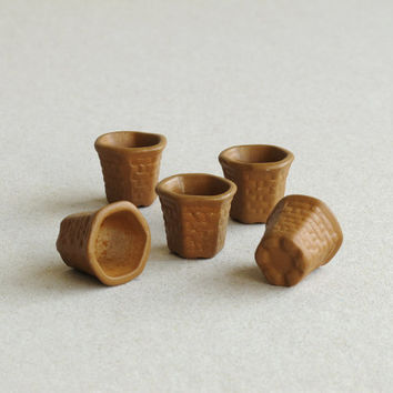 5 Mini Terracotta Plant pots - Yellow Brown ceramic containers with woven texture - 15mm (5/8 inch) tall