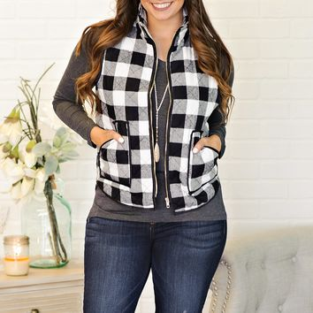 * Tracey Plaid Puffer Vest : Black/White