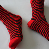 "Brand New Handmade knit Adult Ladies Black and Red Socks - Women socks- Women's house socks - House fancy socks- 9"" long // Ready to ship"