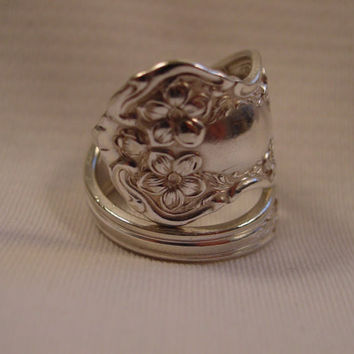 A Beautiful Size 10 1/2 Spoon Ring With Flowers Handmade Antique Silverware Rings t529