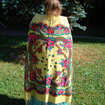 Vintage Ukrainian Shawl - Authentic Floral large cotton scarf with nylon knottings - also known as Russian Shawl
