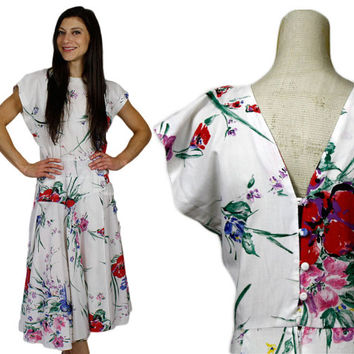 White Floral Summer Dress / Cotton Midi Skirt Sundress / 1950s Rockabilly Hand Painted Button Back Day Dress / size XS Extra Small