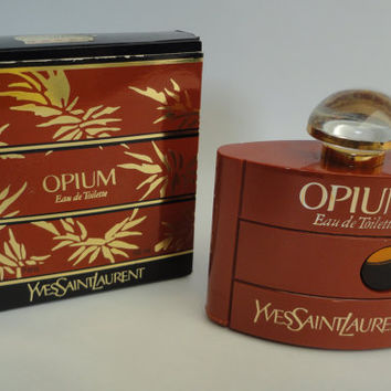Vintage old formula Opium Yves saint laurent, ysl,  eau de toilette 2.0 oz / 60ml splash, new in bottle, box oke but not sealed
