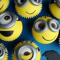 minion cupcakes - Google Search