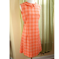 Orange and White plaid dress // vintage 70s shift // S small // peter pan collar