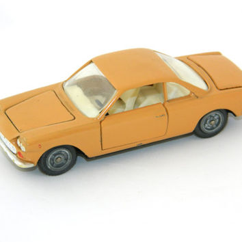 Coral Fiat-Siata 1500 Car Model - Russian soviet vintage - Made in USSR - Scale 1:43 - metal and plastic