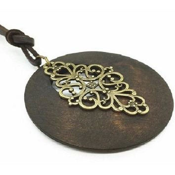 Handmade Collar Round Wood Hollow Tree Soft Leather Pendant Necklace