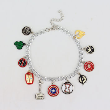 Free Shipping The Avengers Charm Bracelet Superhero American Captain Iron Man Spider-man Thor's Hammer Bracelet Fashion Jewelry