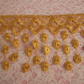 Lace Fringe Trim,Gold,Victorian Style Lace ,Venise Lace Trim,Bridal Accessories,Altered art,Scrapbooking,Doll Apparel,Decorative Lace Trim
