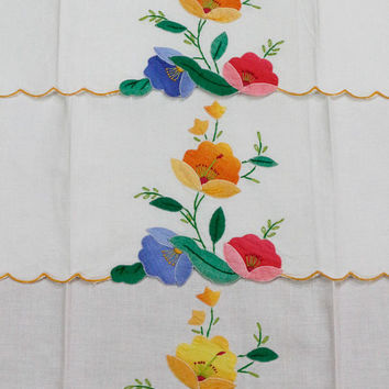Madeira Hand Towels, White & Floral Applique, Orange Blue Pink Flowers, 1950s, Set of Three Guest Towels, Shabby Cottage Chic Vintage