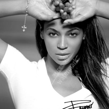 A1 Poster Beyonce NEW Beyonce Signature Black And White Poster