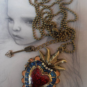 Beautiful Glittery Glitter Sacred Heart Locket, Ex-voto Heart, with a Cross Necklace Pendant Vintage