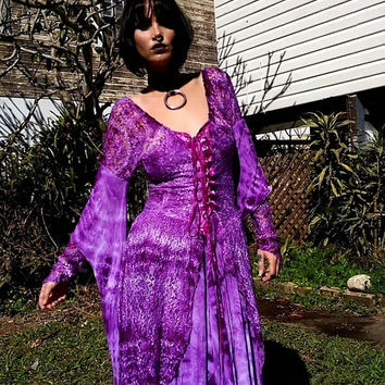 Incredible ANVENTAGOUS purple tie dye pixie queen gothic goddess lace pagan medieval fairy wench mach dress Wicca witchy 80s 90s goth