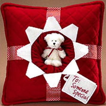 Boyds Harvest & Holiday Kringlebeary's Christmas  Someone Special Present Pillow-811335