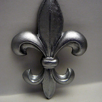 Fleur de lis Metal Cast Iron Painted Bright Silver Wall Decor French Decor, Paris, Shabby Chic