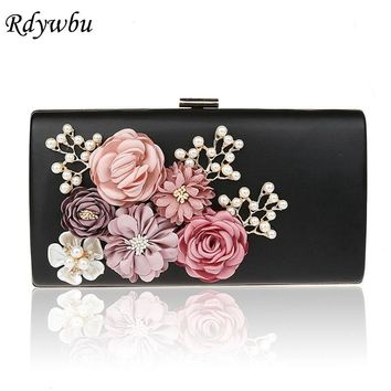 Rdywbu 3D Flowers Women's Handmade Evening Bag 2017 New Chain Day Clutches Floral Faux Pearl Appliques Wedding Dinner Purse B392
