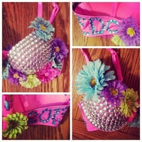 Custom EDC/Rave Bra covered in Daisies and by KissableCreations