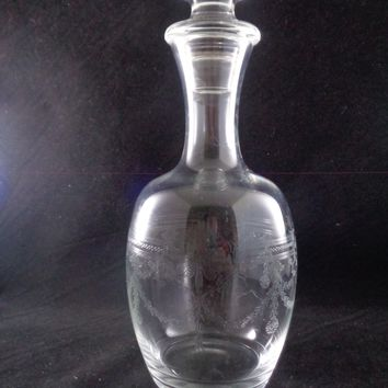 Etched Decanter With Lid