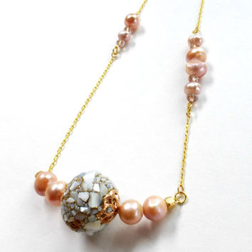 Pearl necklace / Fresh Water Pearl / Gold necklace / Shell ball / gift idea / unique / pink pearl / gypsy / beach / lea spirit