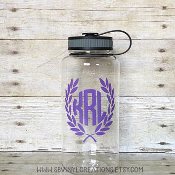 Laurel wreath Monogram water bottle, Motivational water bottle, Water intake tracker, 34 oz bottle, Gym Bottle, Water tracker, Water bottle