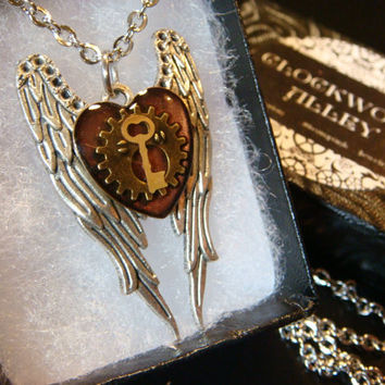 Heart Gear with Tiny Key Angel Wings Steampunk  Necklace (1904)