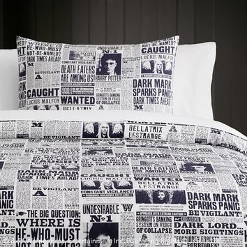 HARRY POTTER™ DAILY PROPHET™ Duvet Cover + Sham