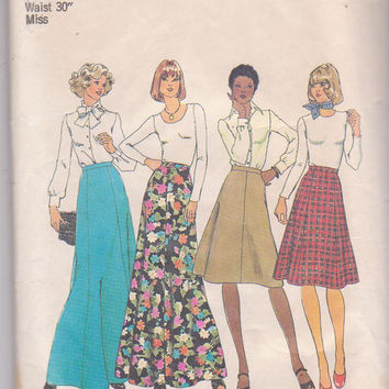 Vintage 1970s pattern for 4 or 6 gore A-line skirt in knee or floor length misses size 16 waist 30 Simplicity 7308 CUT and COMPLETE