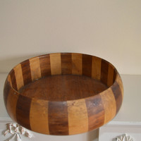 Vintage 1970s wooden fruit bowl/Ryecraft Woodware/iconic piece ships worldwide from UK