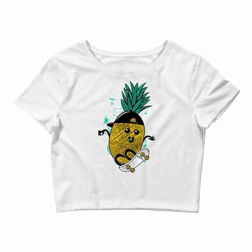 pineapple skateboarding Crop Top