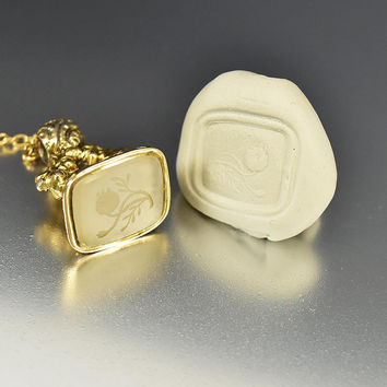Antique 15K Gold Thistle Intaglio Wax Seal Stamp Pendant